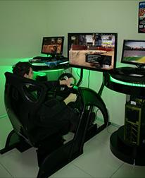 Игровая зона Fanatec в магазине ЗОНА51