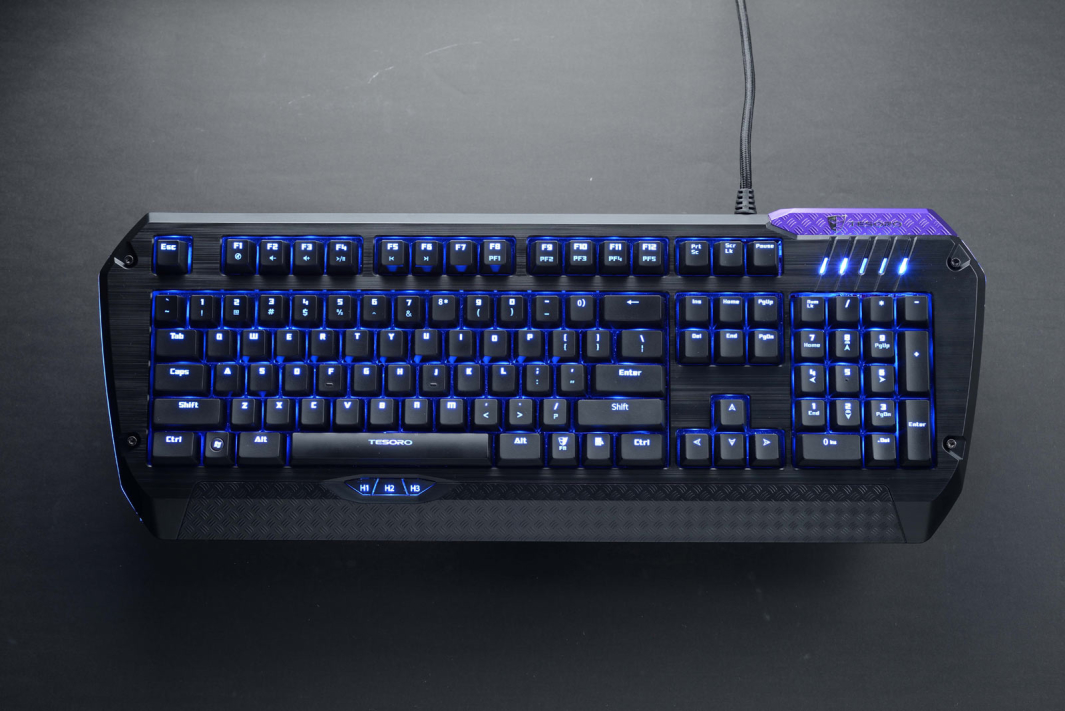 Обзор игровой клавиатуры Tesoro Lobera Supreme