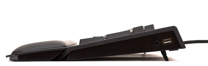 Razer BlackWidow Chroma V2 вид справа с подставкой