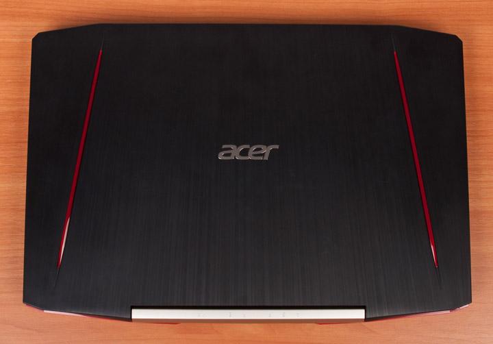 Acer Aspire VX15 вид сверху с закрытой крышкой