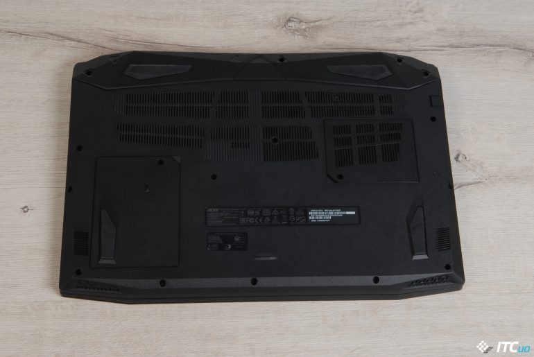 Acer Nitro 5 вид снизу