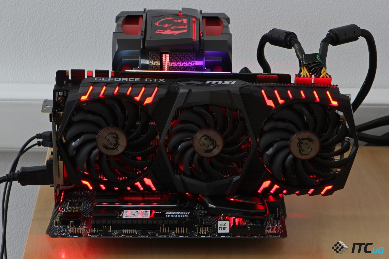 MSI GeForce GTX 1080 Ti в материнской плате фото 2