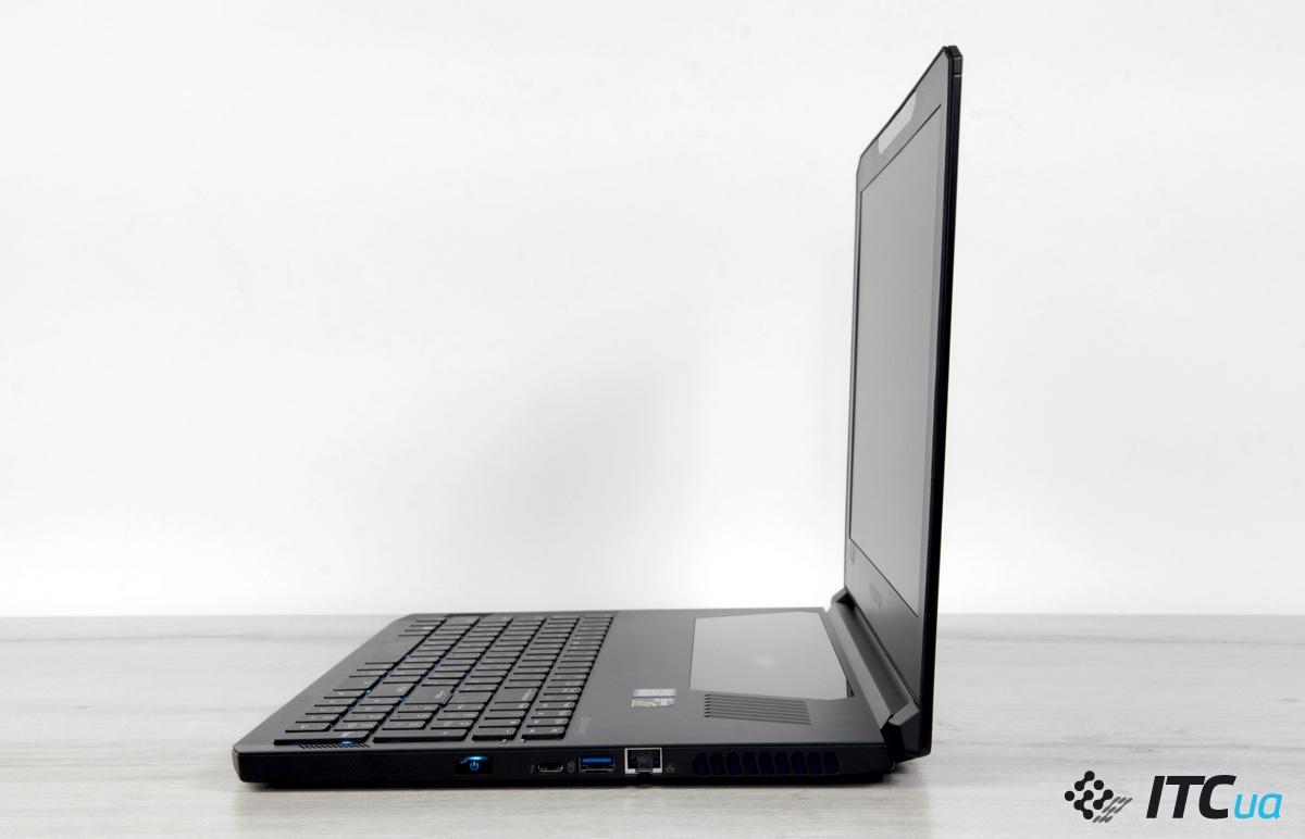 Acer Predator Triton 700 вид справа открытым