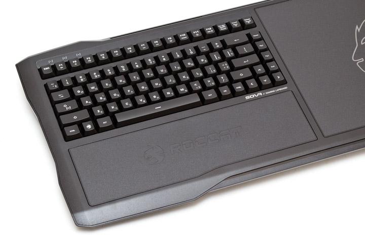 Roccat Sova вид на клавиатуру сверху