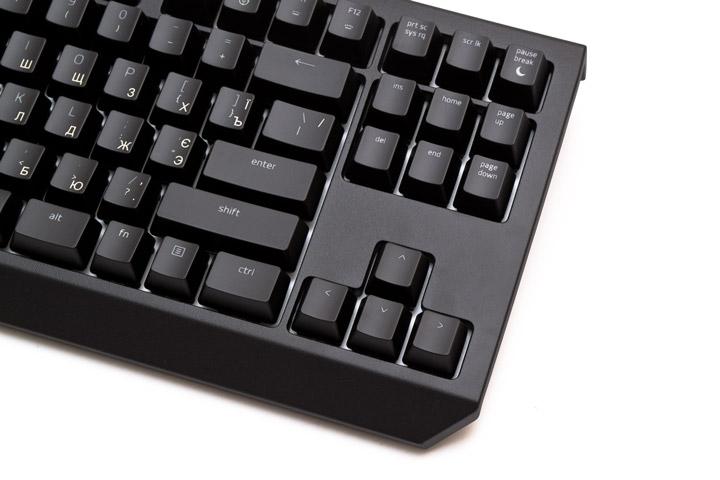 Razer BlackWidow Tournament Edition Chroma V2 вид сверху на правую часть клавиатуры без подставки