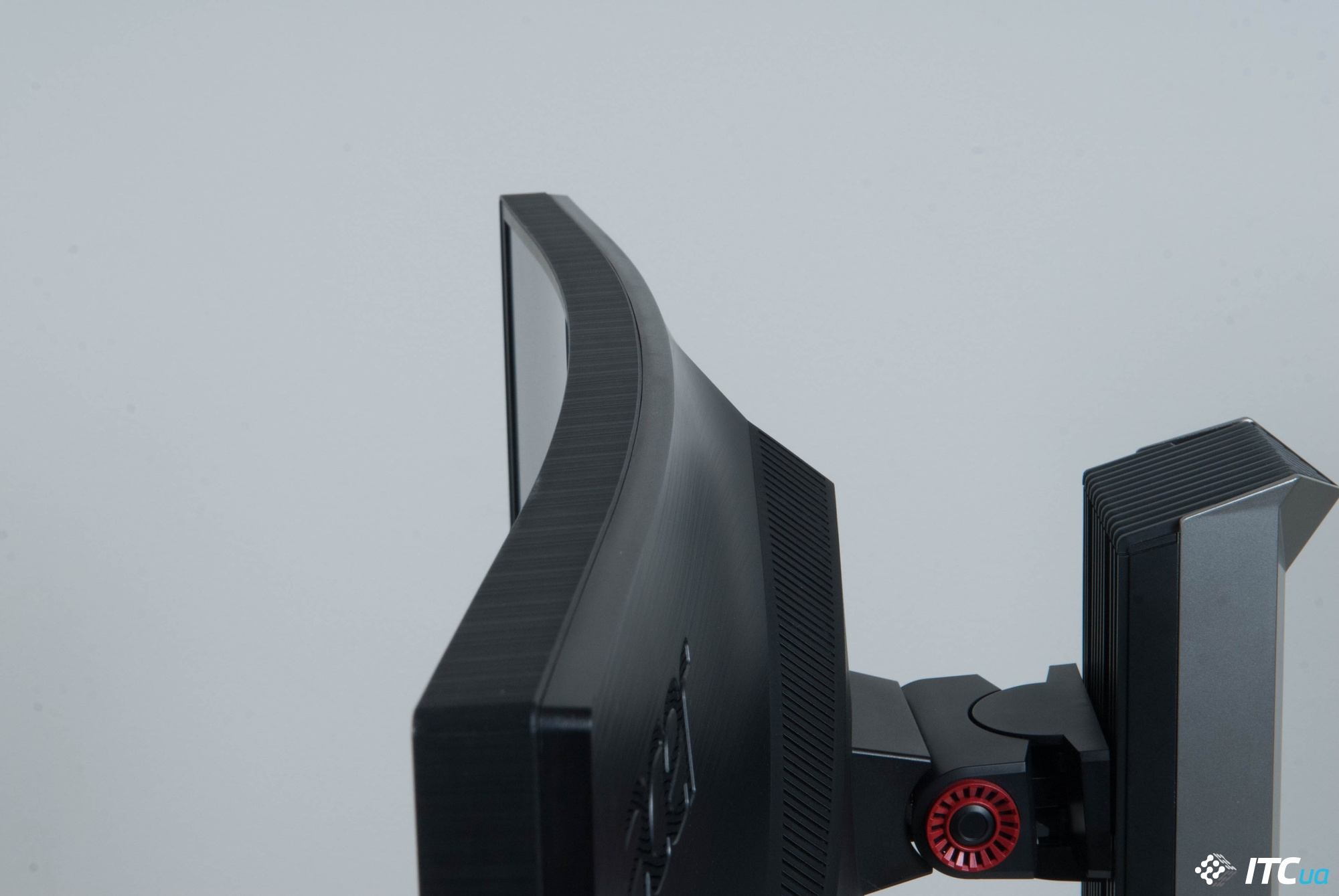 Acer Predator Z1 радиус кривизны