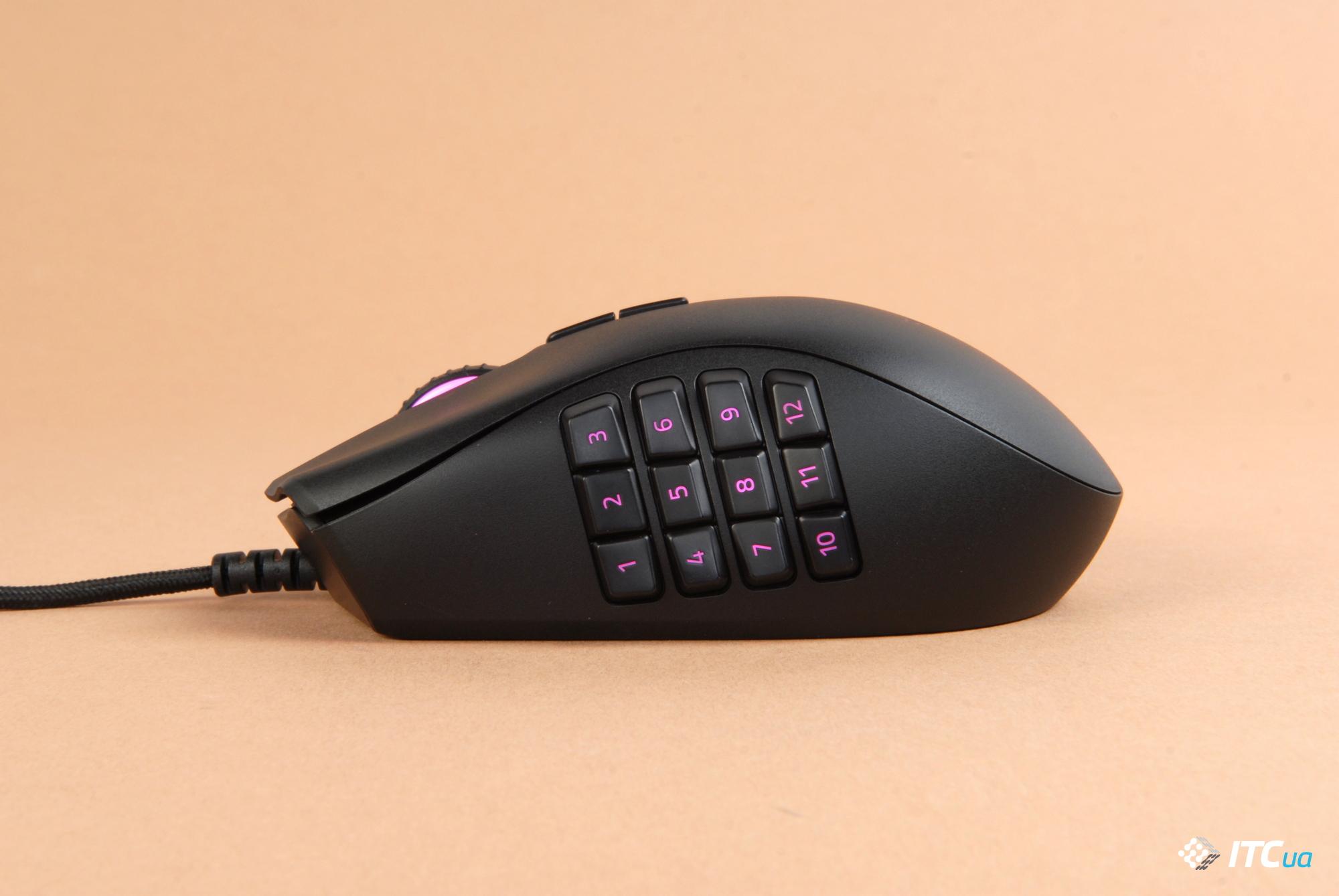 Razer Naga Trinity вид слева на панель с 12 кнопками