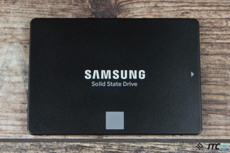 Samsung 860 EVO 1 ТБ (MZ-76E1T0BW) вид спереди