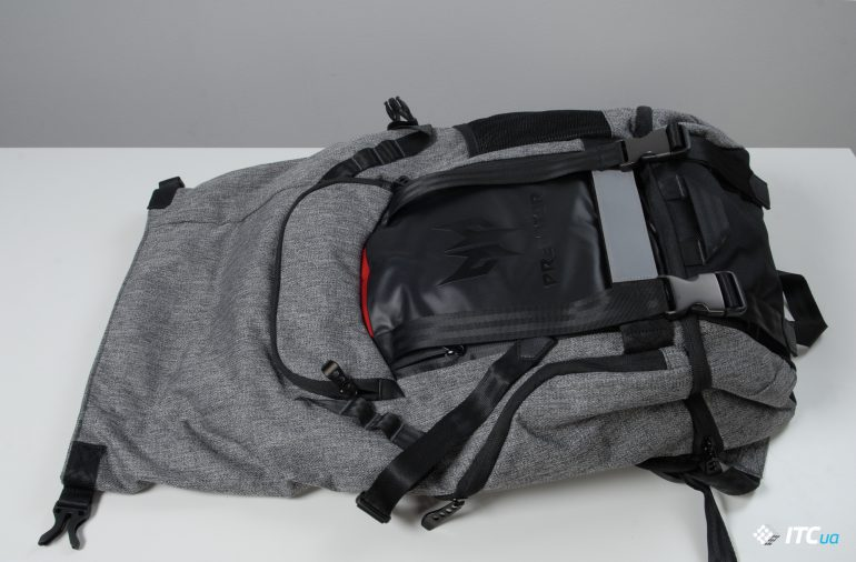 Acer Predator Gaming Rolltop Backpack вид сверху