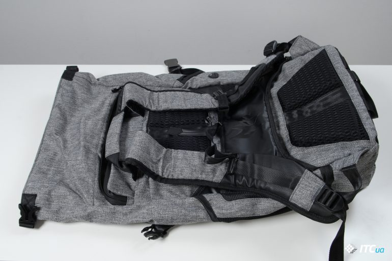 Acer Predator Gaming Rolltop Backpack вид сзади