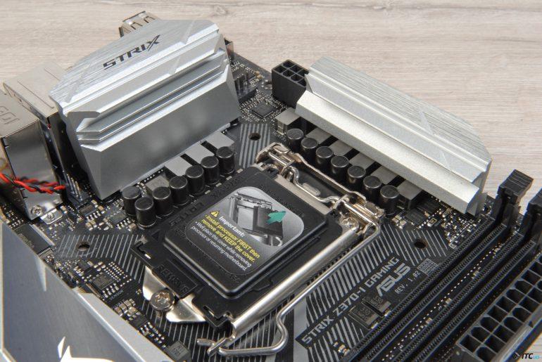 ASUS ROG STRIX Z370-I GAMING вид на разьем процессора