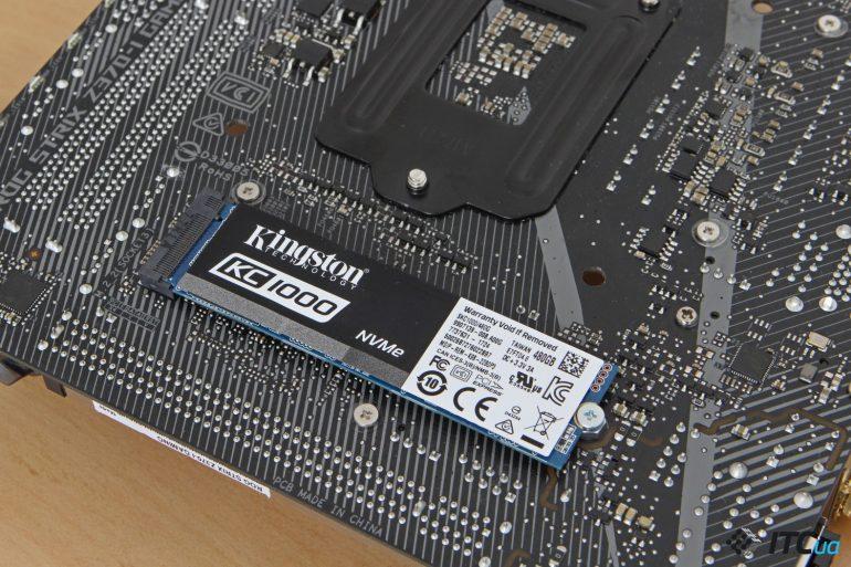 ASUS ROG STRIX Z370-I GAMING вид на разьем M2 сзади