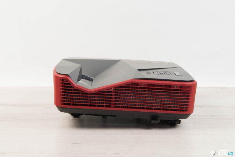 Acer Predator Z850 вид слева