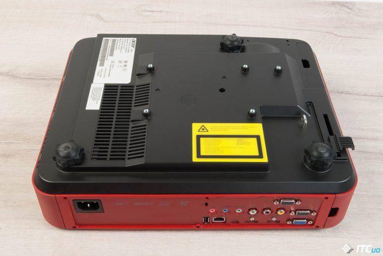 Acer Predator Z850 вид на основание