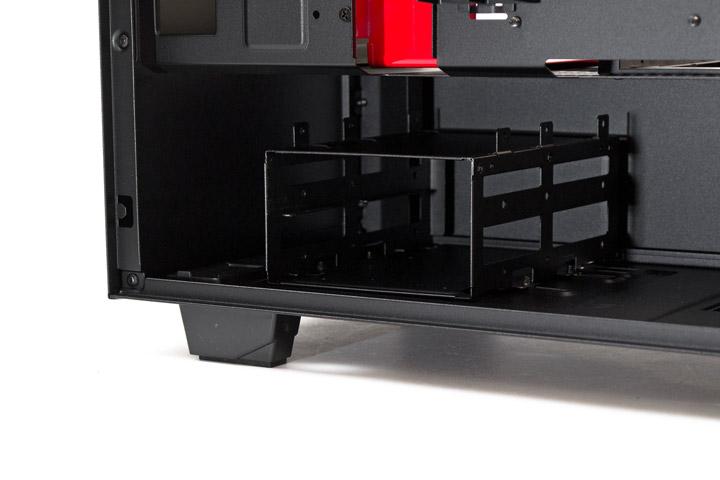 NZXT H500 корзина для дисков в корпусе