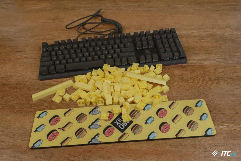 Mionix Wei подставка и желтые кнопки