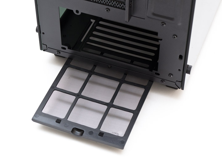 Aerocool P7-C0 Pro рассположение блока питания и нижняя решетка