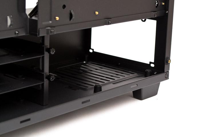 Aerocool P7-C0 Pro пластиковые подставки под БП
