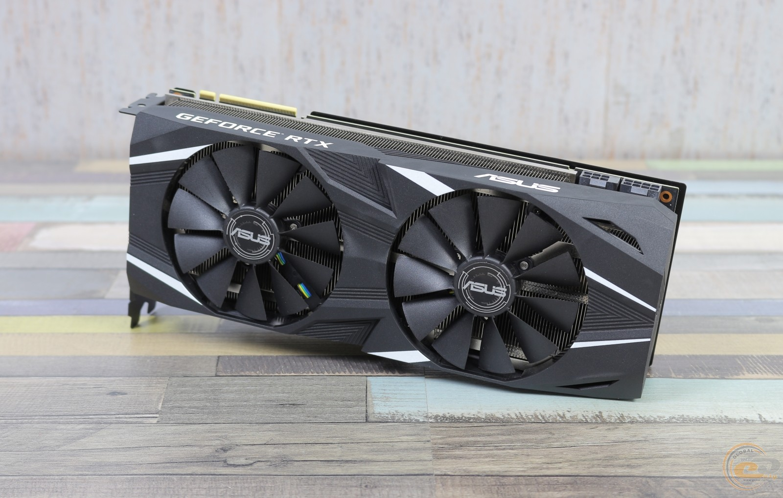 ASUS Dual GeForce RTX 2080 OC фото 1