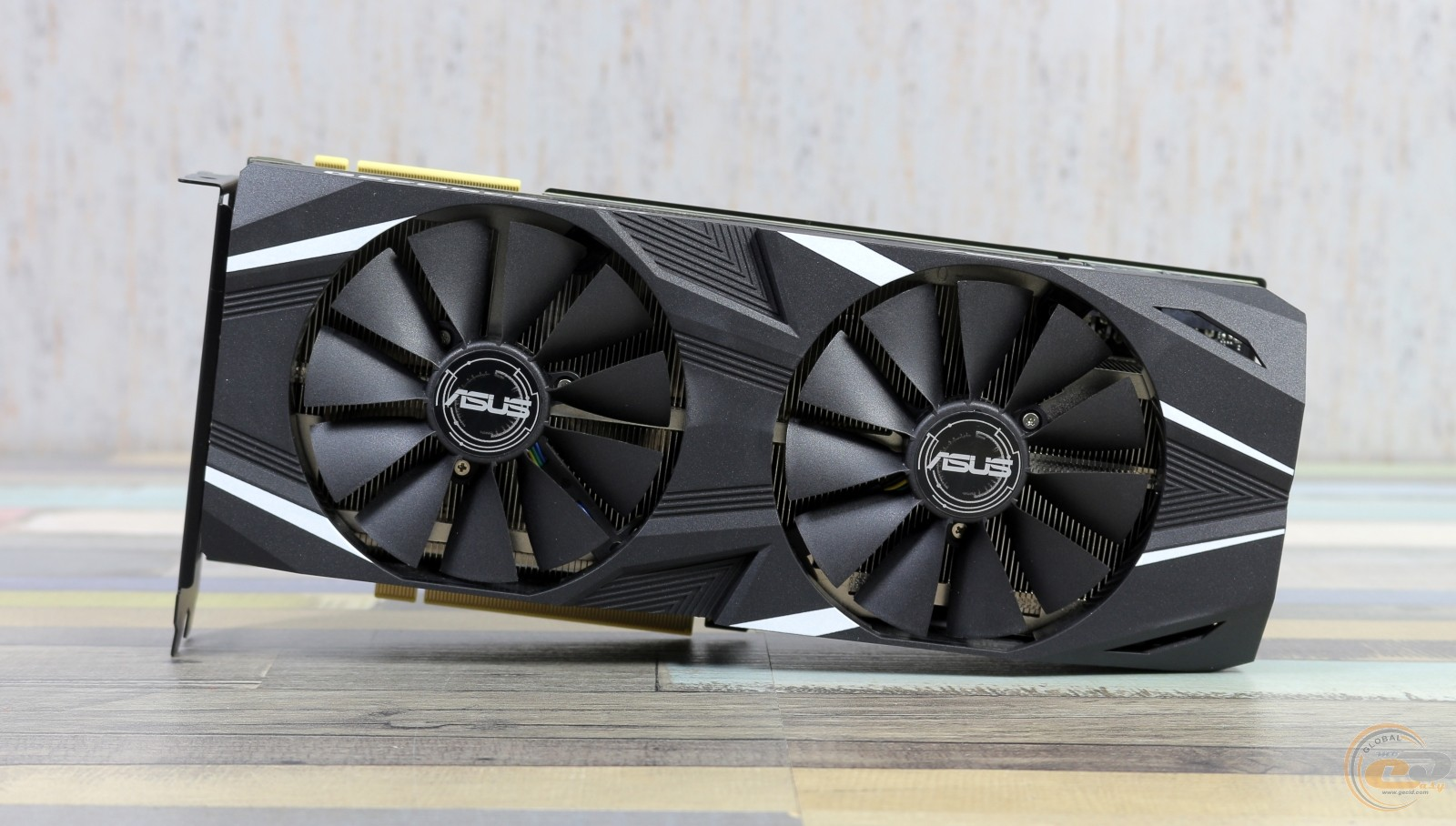 ASUS Dual GeForce RTX 2080 OC фото 3