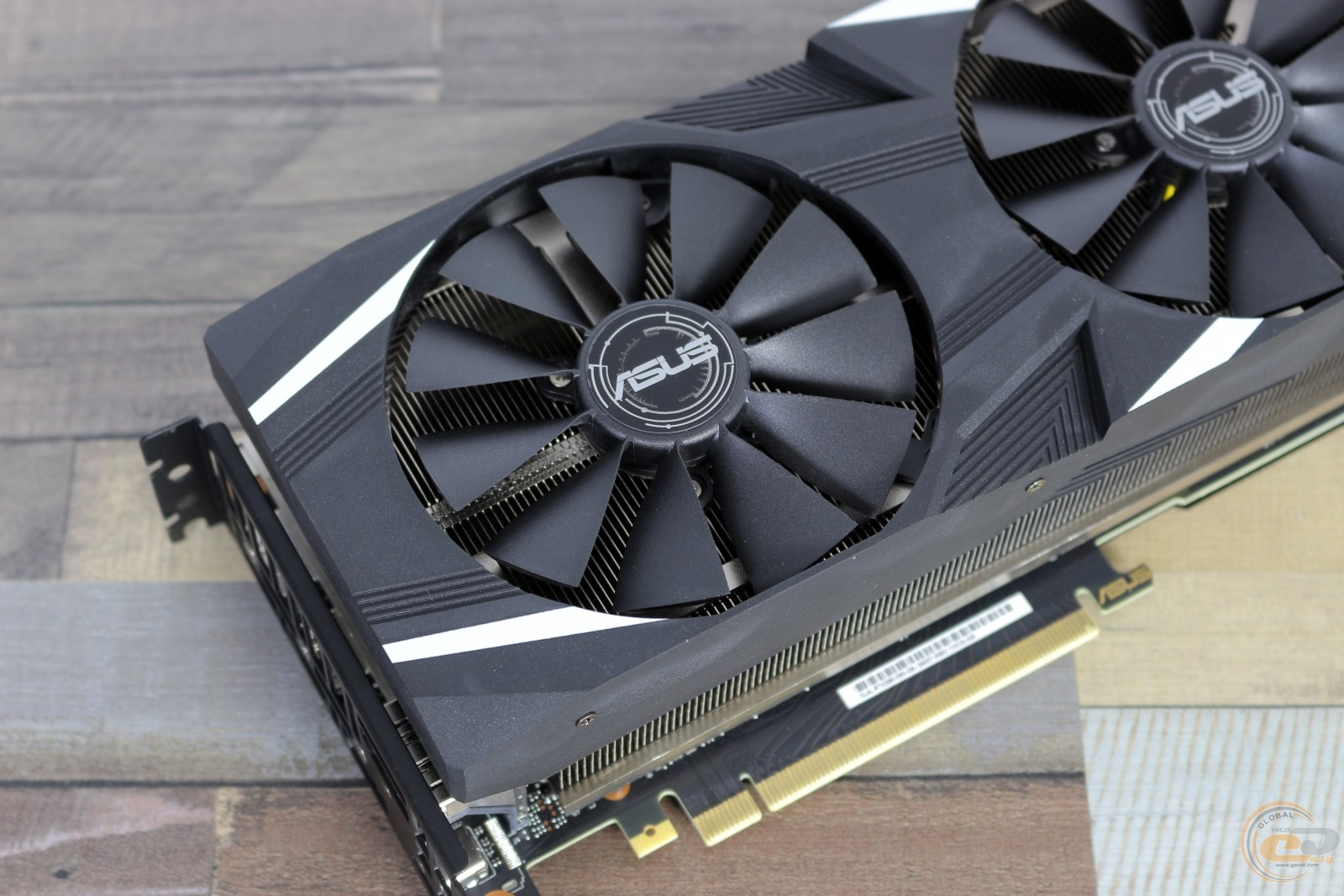 ASUS Dual GeForce RTX 2080 OC фото 9