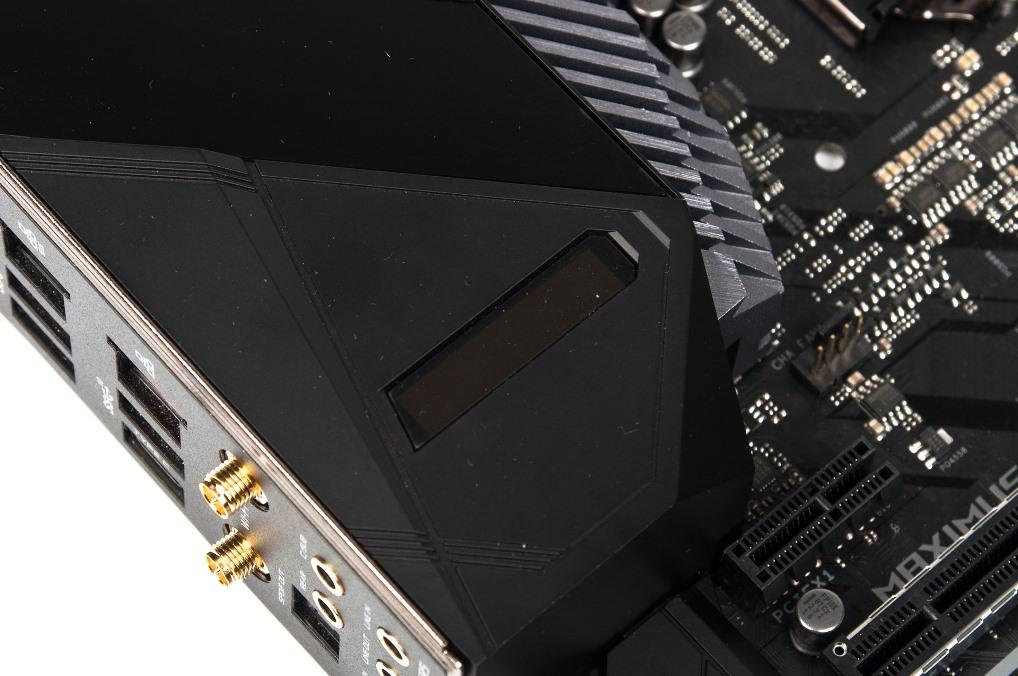 ASUS ROG Maximus XI Extreme информационный дисплей