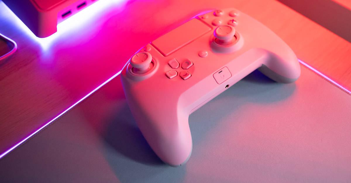 Фото контроллера Razer Raiju Tournament Edition