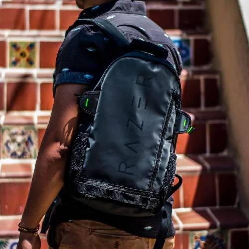 Рюкзак у парня