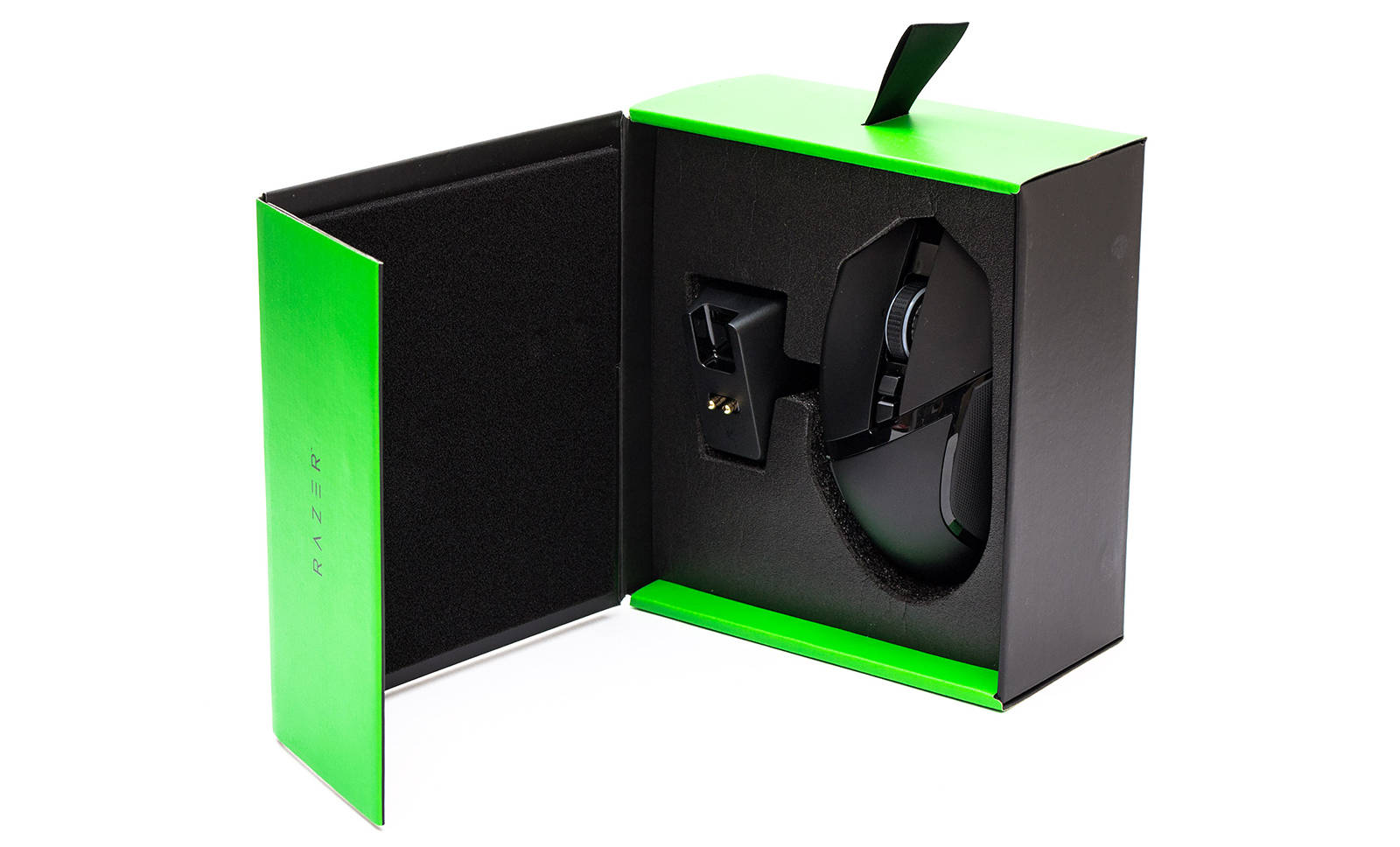 Мышь Razer Basilisk Ultimate. Фото 4