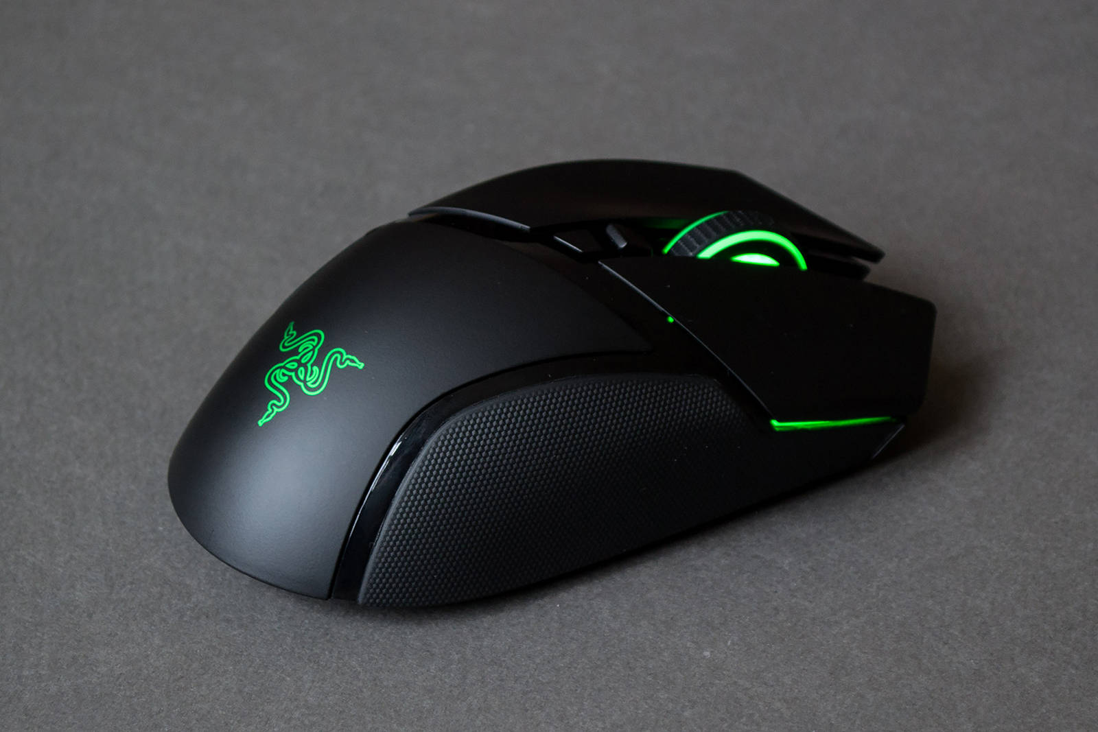 Мышь Razer Basilisk Ultimate. Фото 22