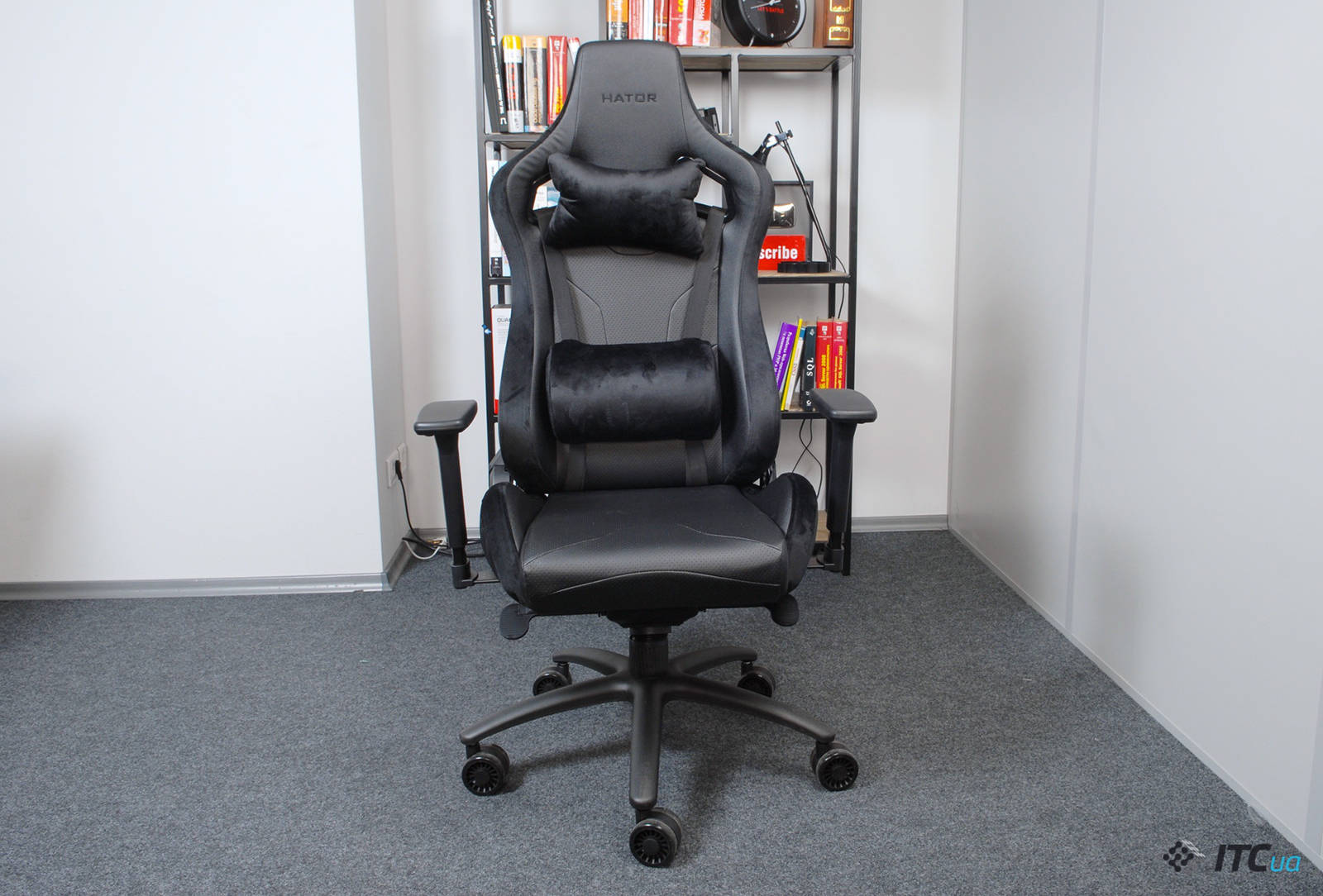 Кресло Hator Apex Alcantara Black. Фото 1
