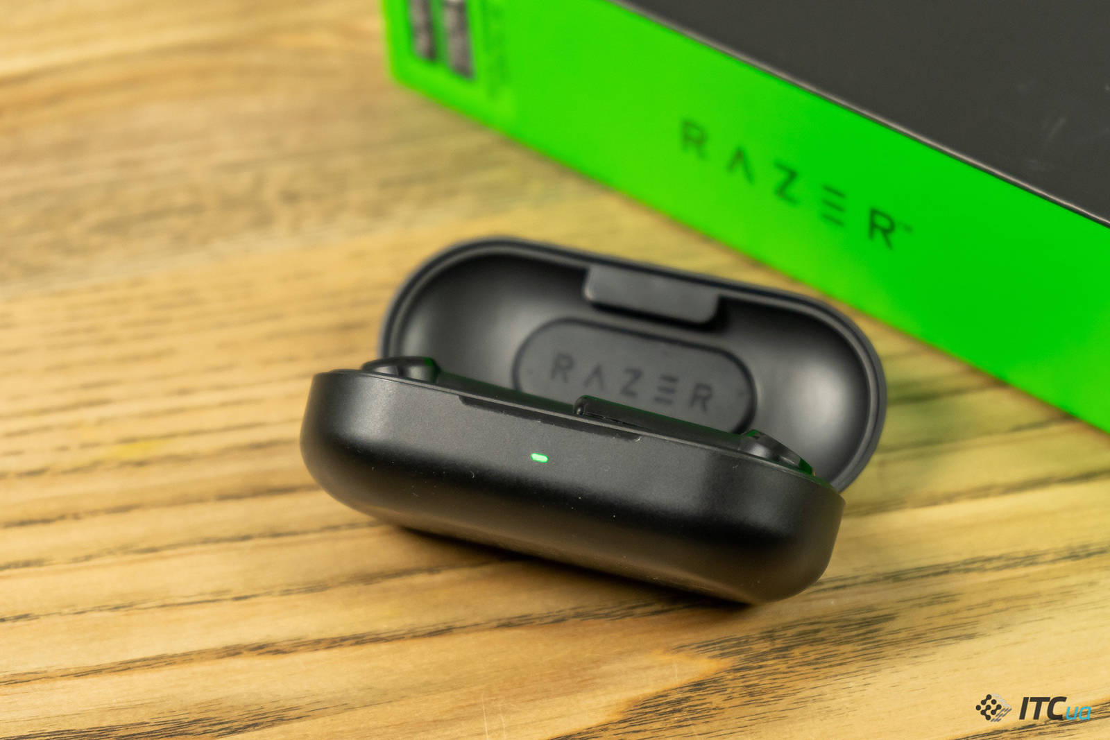 Гарнитура Razer Hammerhead True Wireless. Фото 8