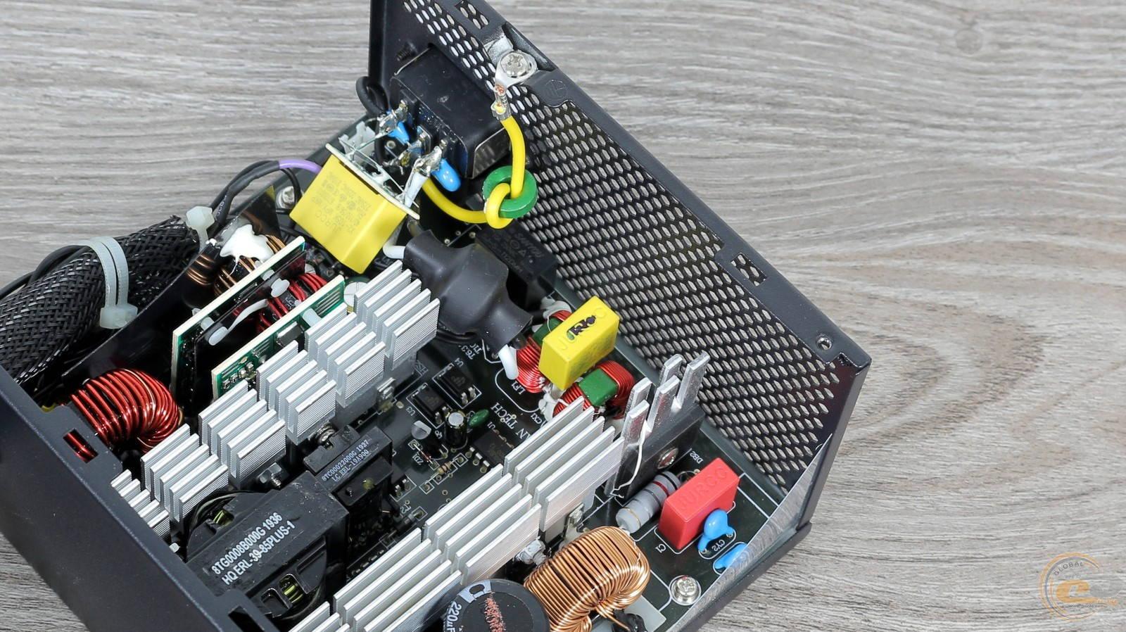 Блок питания Zalman GigaMax 650W. Фото 17