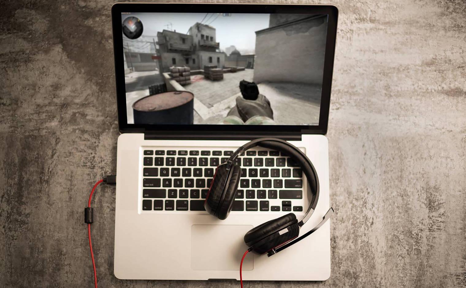Гарнирута и ноутбук