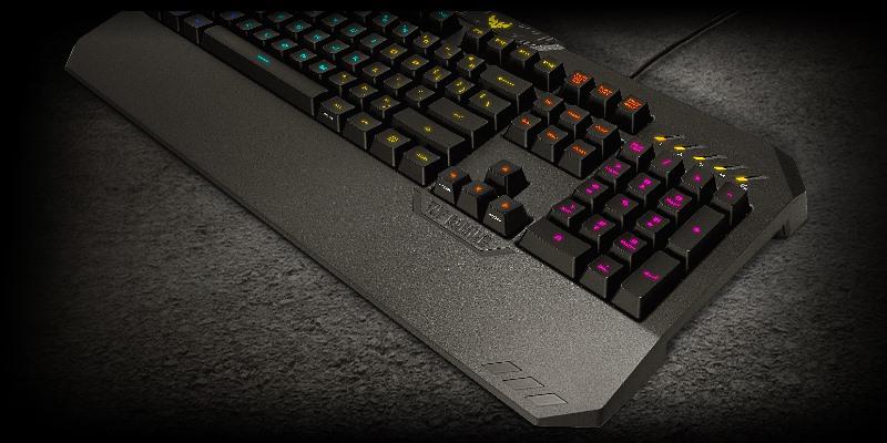 клавиатура лежит наискось