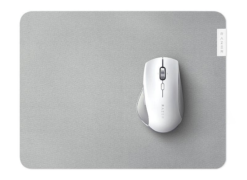 Мышка на коврике
