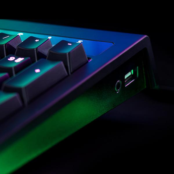 Razer BlackWidow Chroma V2 Green Switch (RZ03-02030700-R3R1) стоимость