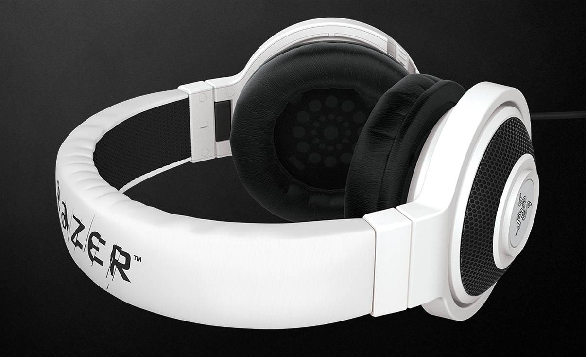 Гарнитура Razer в белом цвете