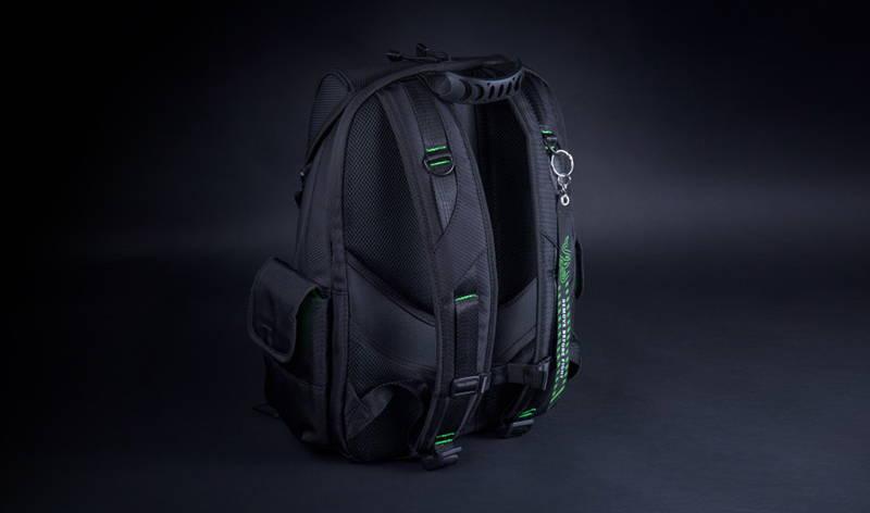 Рюкзак сзади