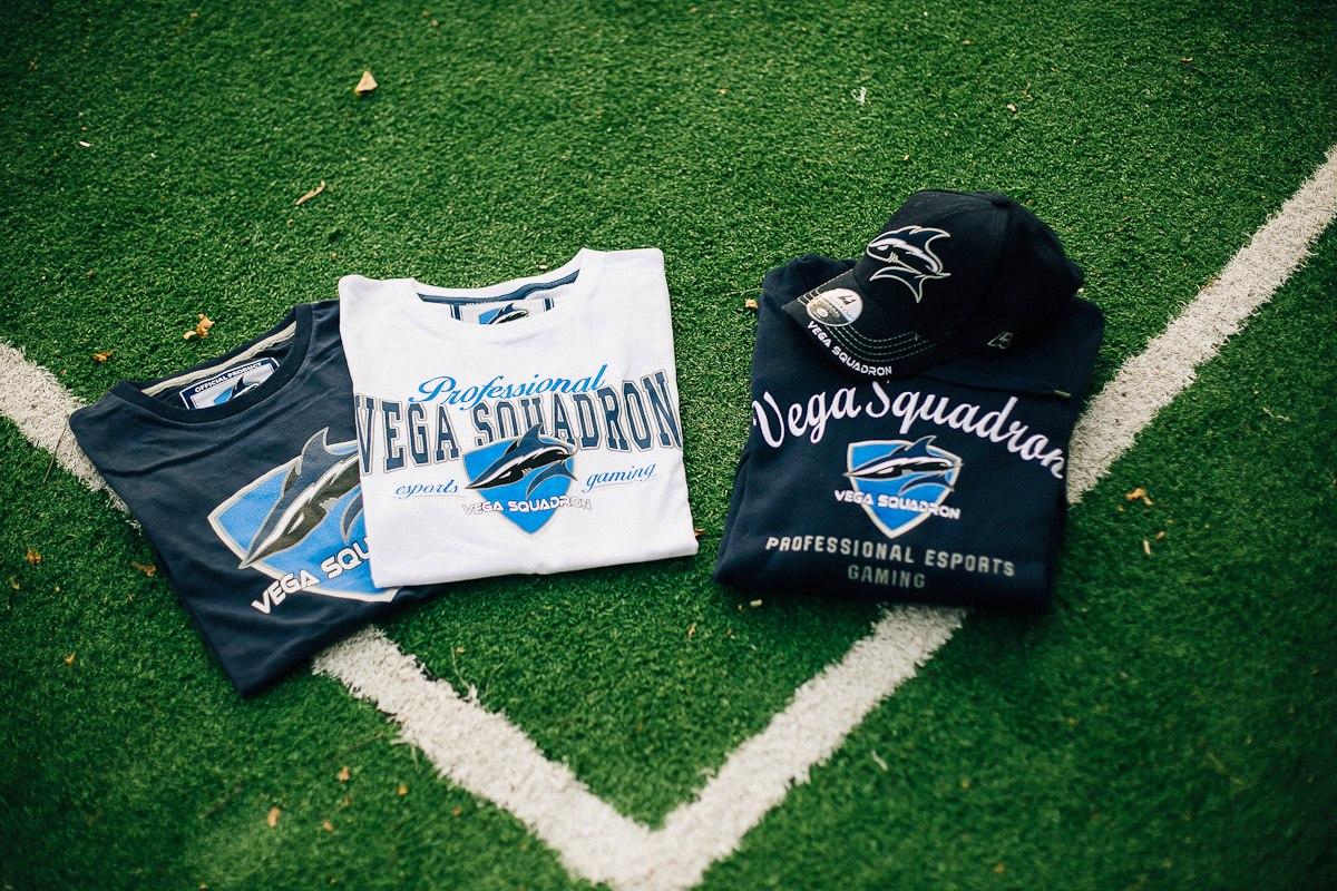 Футболка Vega Squadron на человеке фото 1