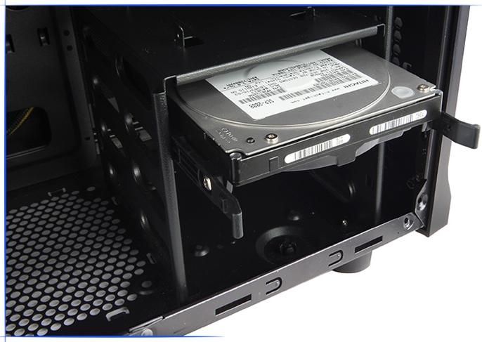 Разъём для быстрой установки HDD Zalman Z3 Plus